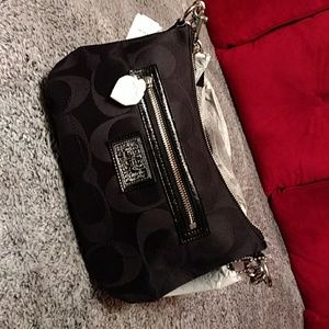 Authentic NWT Coach handbag/crossbody bag.